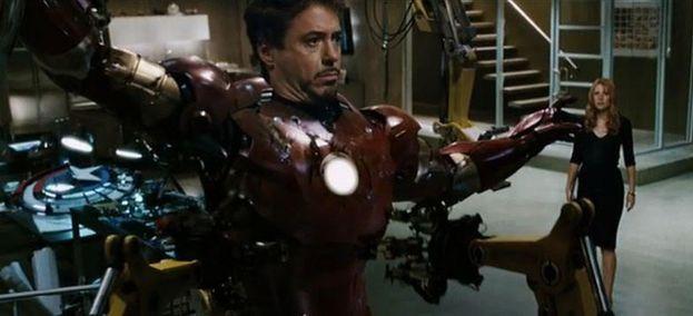 """Lo scudo di Captain America - """"Iron Man"""" (2008)"""
