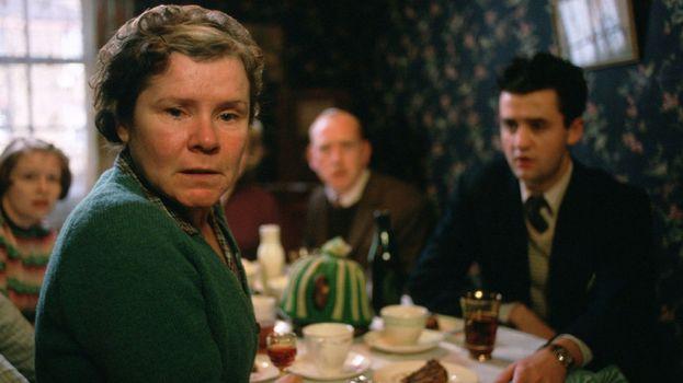 """""""Il segreto di Vera Drake"""" (2004)"""
