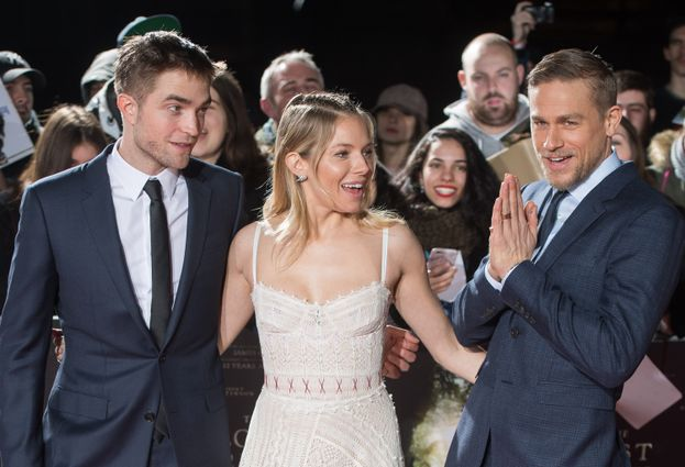 con Robert Pattinson e Sienna Miller