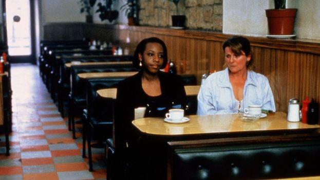 """""""Segreti e bugie"""" (1996)"""