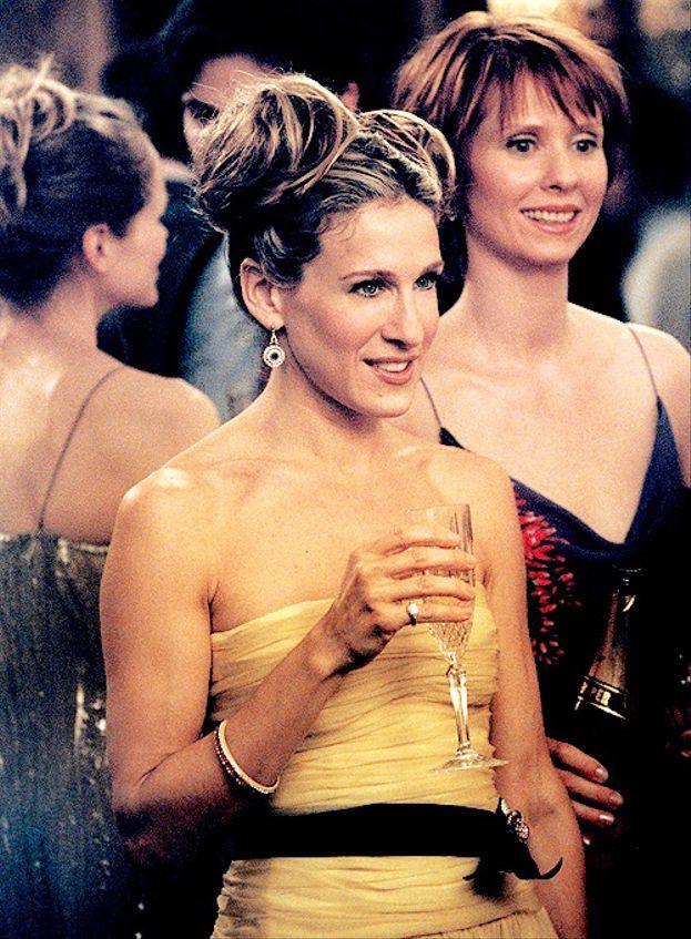 """Carrie: """"Quando la vita diventa troppo confusa, a volte c'è solo una cosa da fare: andare ad un party favoloso!"""""""
