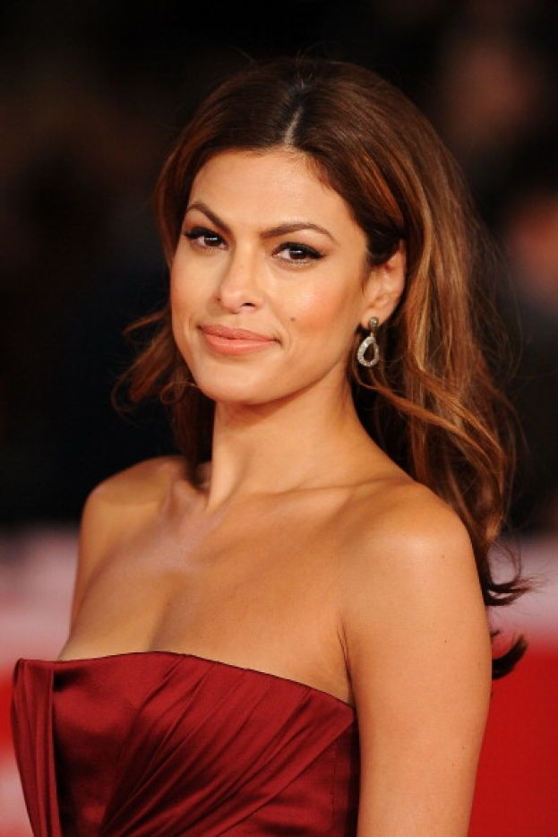 Eva Mendes – Hot dog