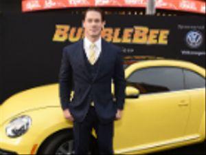 Bumblebee: Hailee Steinfeld e John Cena in due nuove divertenti clip