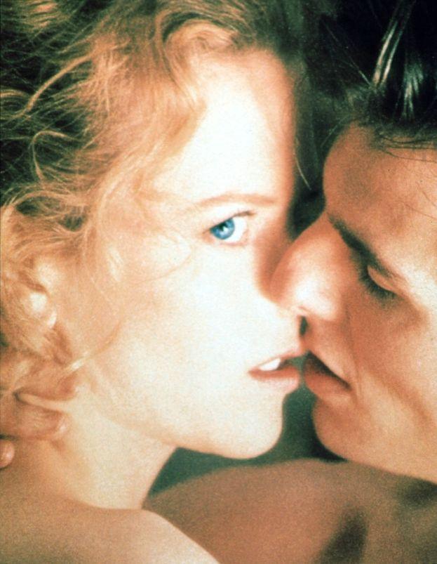 Tom Cruise e Nicole Kidman fanno l'amore davanti allo specchio (Eyes Wide Shut)