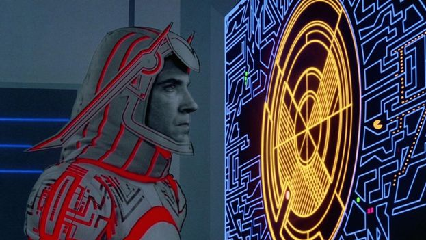 """Pac-Man in """"Tron"""" (1982)"""