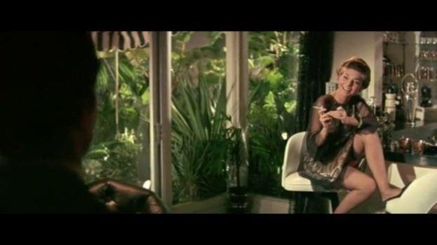 Anne Bancroft seduce Dustin Hoffman (Il laureato)