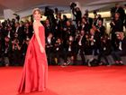 Venezia 75: 5 sfumature di Dakota Johnson in Laguna