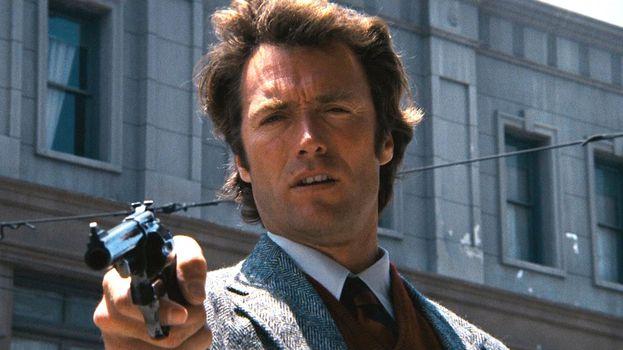 """""""Io so quello che pensi. Ti stai chiedendo se ho sparato sei colpi o solo cinque. Ti dirò che in mezzo a tutta quella baraonda ho perso il conto io stesso. Ma dato che questa è una .44 Magnum, cioè la pistola più precisa del mondo, che con un colpo ti spappolerebbe il cranio, devi decidere se è il caso. Di', ne vale la pena?"""""""