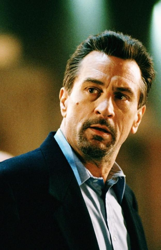 Neil McCauley (Robert De Niro)