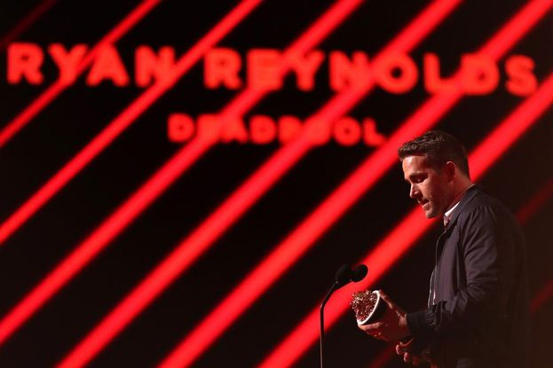 Ryan Reynolds durante una premiazione