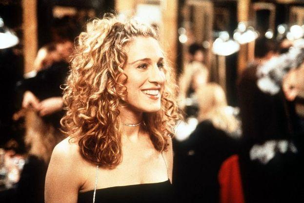 """Carrie: """"Io voglio i miei soldi là dove li posso vedere: tutti appesi nel mio armadio""""."""