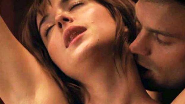 Sesso sadomaso tra Jamie Dornan e Dakota Johnson (Cinquanta sfumature di grigio)