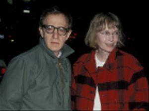 Woody Allen: la sua replica alle accuse di Mia e Dylan Farrow