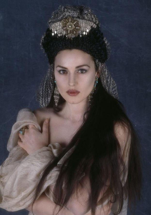 "La sposa di Dracula (Monica Bellucci) - ""Dracula di Bram Stoker"" (1992)"