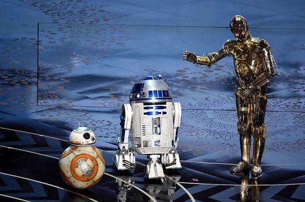 Un momento storico: BB-8, R2-D2 e C-3PO insieme sul palco degli Oscar