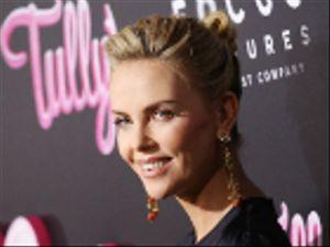 Charlize Theron: ingrassata di 22 kg per il nuovo film Tully