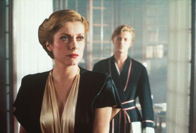 """Catherine Deneuve nel 1968 e nel film """"Tre Cuori"""" (2014)"""