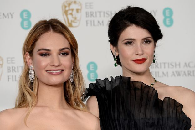 Lily James e Gemma Arterton