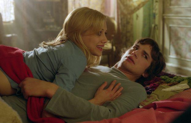 "Ashton Kutcher e Brittany Murphy - ""Oggi sposi... niente sesso"" (2003)"