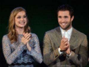Emily VanCamp e Josh Bowman: nozze in segreto per le star di Revenge