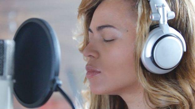 """""""Beyoncé: Life Is But a Dream"""" (2013)"""