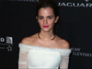 """Piccole donne: Emma Watson con le """"sorelle"""" in una foto dal set"""