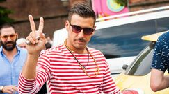 Francesco Gabbani alla World Pride Parade di Madrid, si alza il coro di Occidentali's Karma