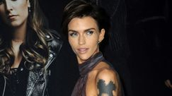 Ruby Rose in sedia a rotelle tranquillizza i fan: