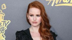 Unghie estate, abstract nail: la manicure pesca e lilla di Madelaine Petsch è da copiare