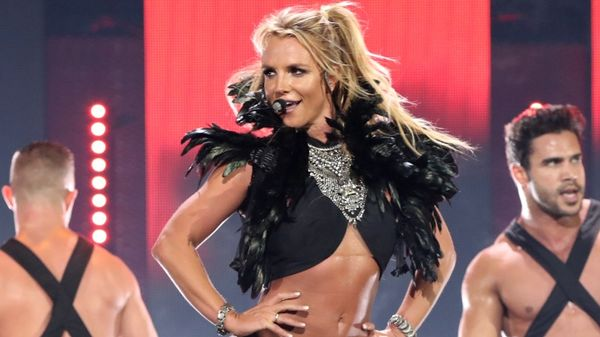 Britney Spears: sexy wardrobe malfunction sul palco del Piece Of Me Tour