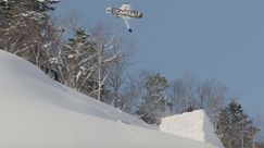 Dress code: all white! Un candido video di snowboard con Kevin Backstrom