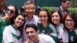 Mondiali: devi vedere come i messicani hanno ringraziato la Sud Corea celebrando i tifosi del Paese asiatico