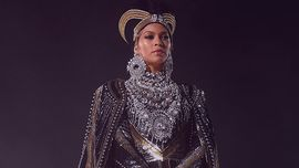 Beyoncé: uno spettacolare look da regina dei leoni al Wearable Art Gala