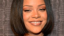 Rihanna che evita il lancio del bouquet è semplicemente un mito