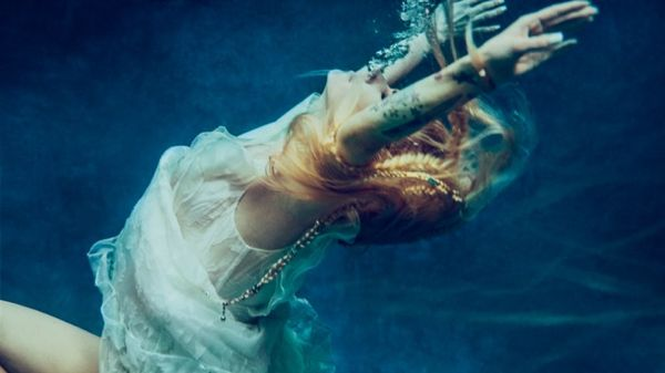 head above water avril lavigne  Avril Lavigne: il video di