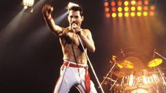 Freddie Mercury: tributo a sorpresa all'aeroporto di Heathrow sulle note di