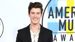 Shawn Mendes: sul red carpet con la zip dei pantaloni aperta?