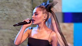 Ariana Grande non vede l'ora di iniziare il nuovo tour e questo video ne è la dimostrazione