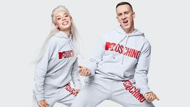 MOSCHINO X H&M: la collezione con il logo di MTV è disponibile da oggi 8 novembre!