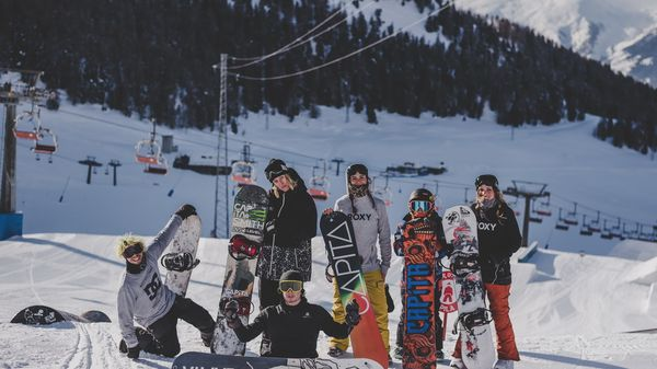 Sole, snowboard e risate a Pila con il Team Union Italy! [Video]