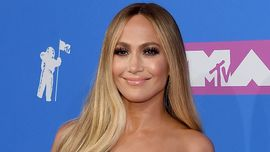 Jennifer Lopez a 50 anni dimostra che l'età è solo un numero