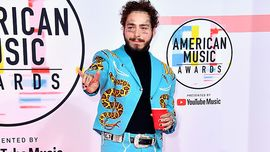 Post Malone ha indossato un altro incredibile completo da Elvis Presley
