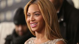 Prima Bella Hadid, ora Beyoncé, è ufficiale: la french manicure è tornata!