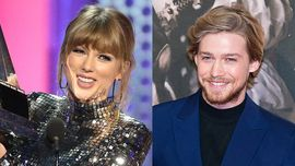 Taylor Swift: un abito super scintillante all'after party degli Oscar con Joe Alwyn