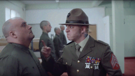 Salmo nei panni del sergente Hartman di Full Metal Jacket nel video di