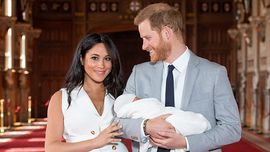 Il principe Harry e Meghan Markle hanno condiviso una tenerissima foto di Baby Archie