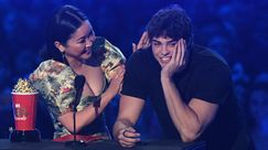 Noah Centineo ha ringraziato le labbra di Lana Condor vincendo Best Kiss agli MTV Movie & TV Awards 2019