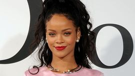 Rihanna: sexy pretty in pink all'evento lancio di Fenty a New York