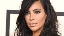 Kim Kardashian ora ha ufficialmente i capelli rossi - e non è una parrucca!