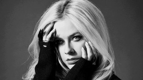 Lo show di Avril Lavigne al Fabrique di Milano è già sold out, si sposta in una nuova location